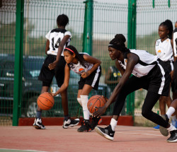 2020-02-12 4 Dakar-SEED_GIRLS_dribble .jpeg